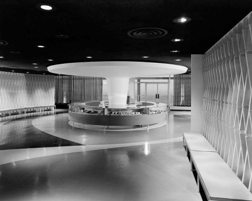 southland-ctr_john-rogers_1959-60_portal_jewely-vendor