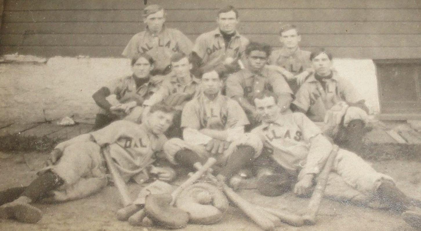 dallas-baseball_1910_ebay_black-teammate