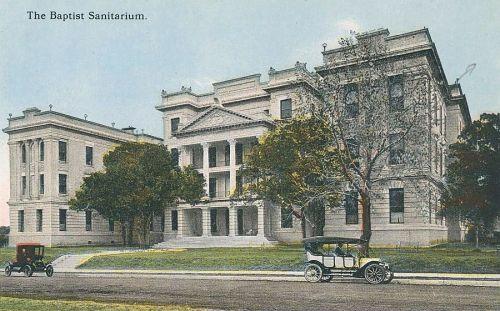 baylor-hospital_baptist-sanitarium_postcard