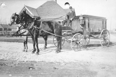 oak-cliff_hearse_horse-drawn_rppc_ebay