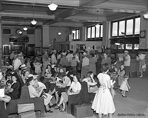 labor-day_union-bus-depot_hayes-coll_1952_DPL_sm
