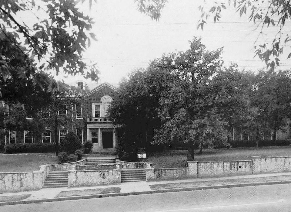 southwestern-medical-college_1944 yrbk_richard-freeman-memorial-clinic