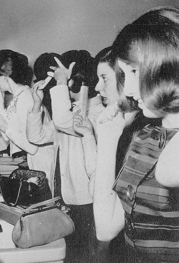 girls-mirror_HPHS-yrbk_1964