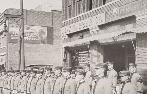 ww1_cadets_commerce-street_1918_natl-archives_det-1