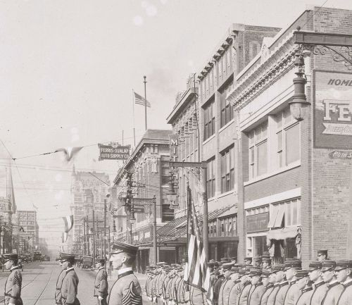 ww1_cadets_commerce-street_1918_natl-archives_det-2