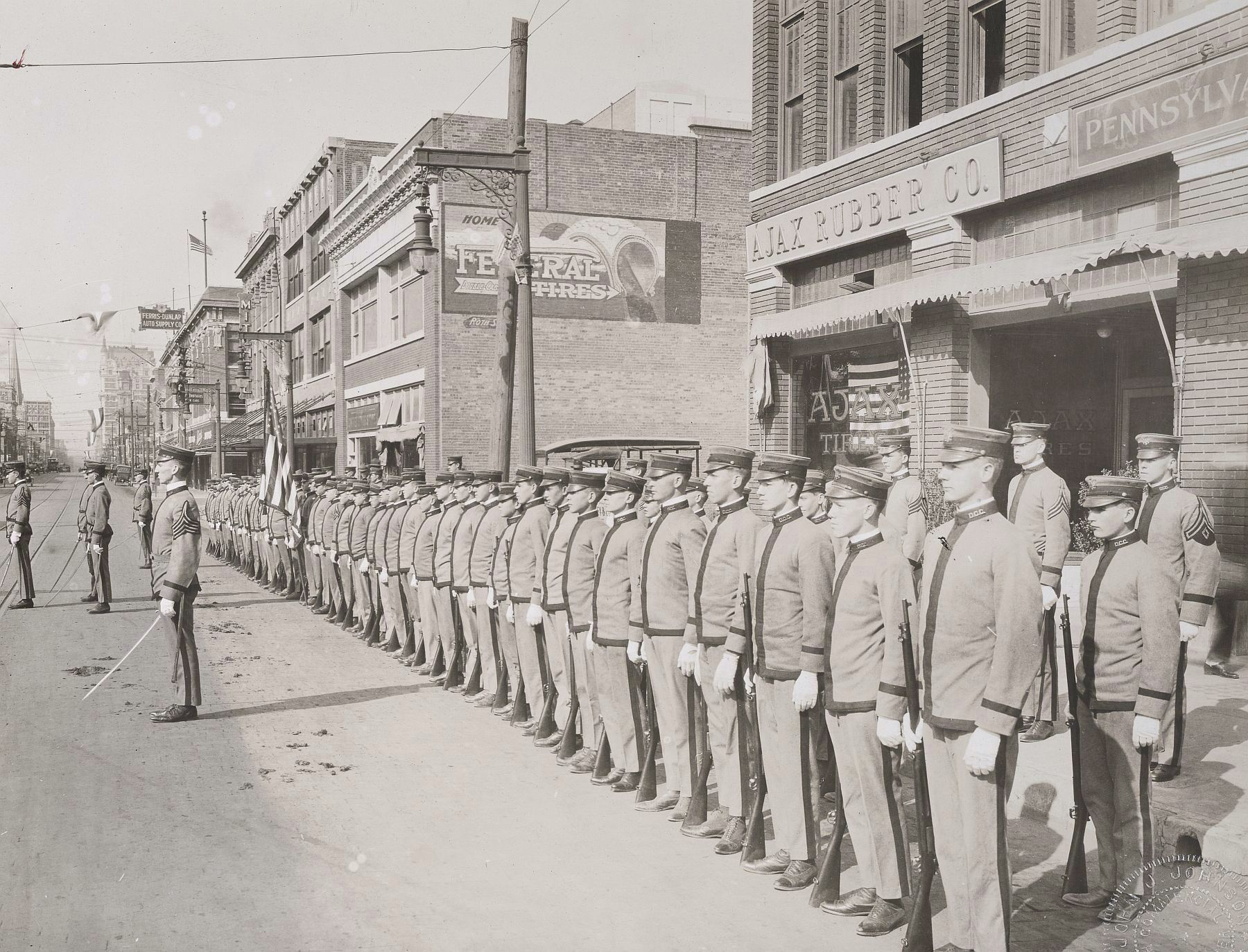 ww1_cadets_commerce-street_1918_natl-archives_full