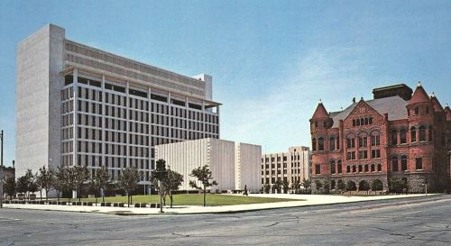 kennedy-memorial_courthouses_postcard