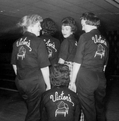 victors-bowling-team_bosse-photo