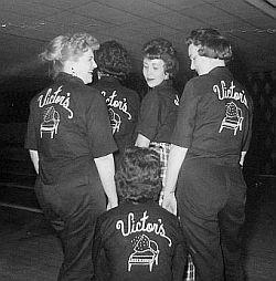 victors-bowling-team_bosse-photo_sm