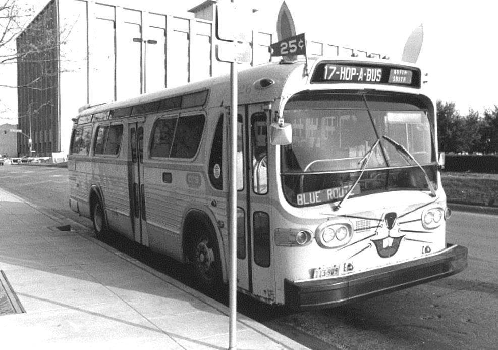 hop-a-bus_BW