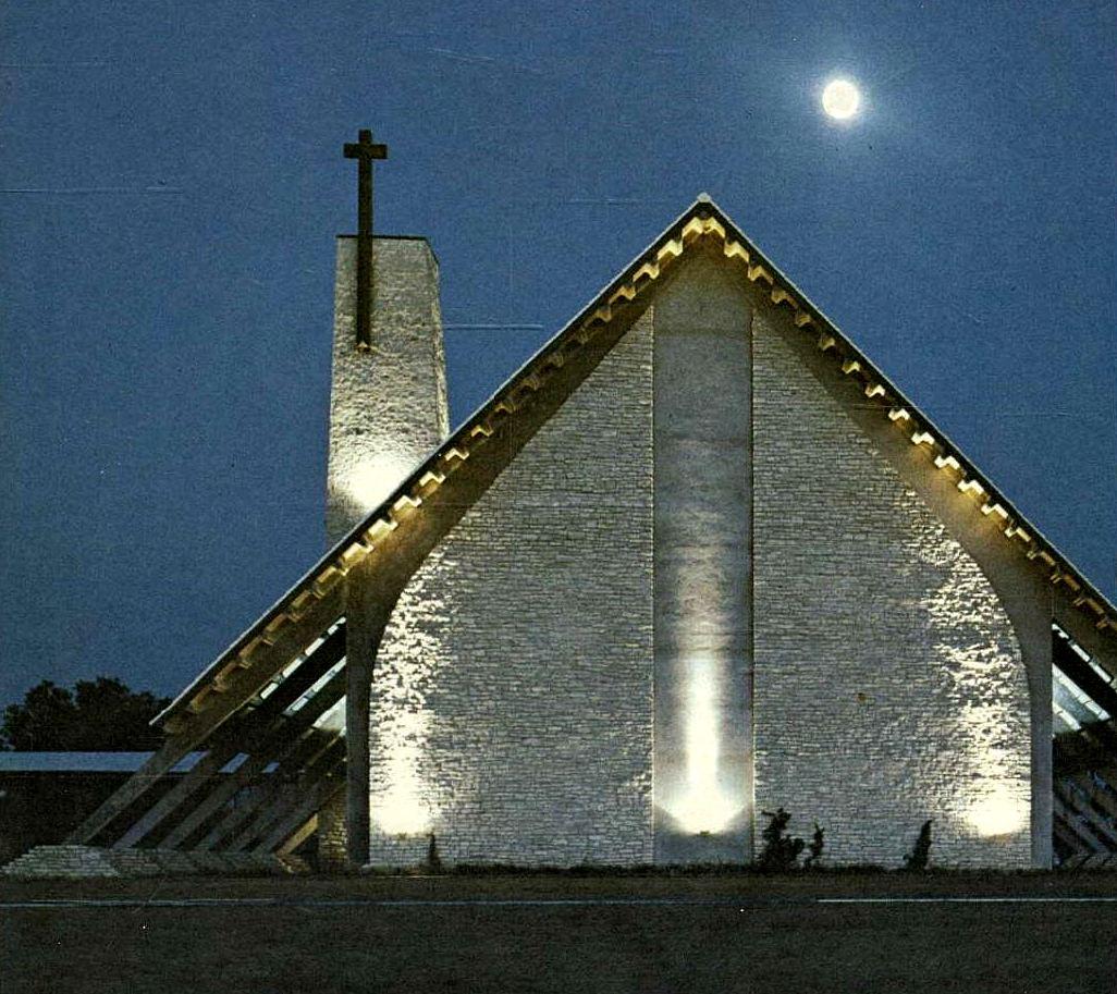 st-marks_1961-yrbk_chapel_dusk