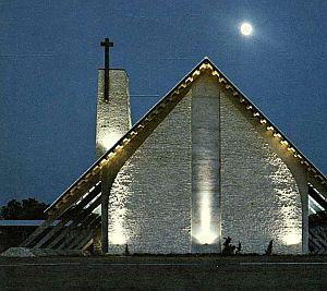 st-marks_1961-yrbk_chapel_dusk_sm