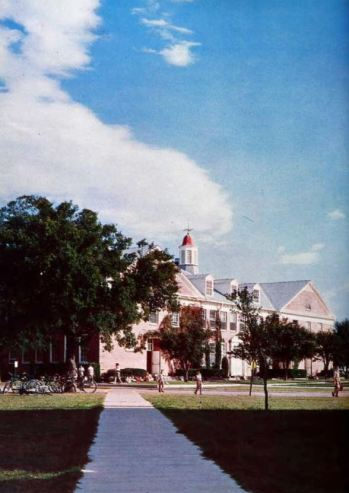 st-marks_1963-yrbk_campus_color