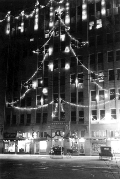 xmas_jefferson-tower_oak-cliff_portal_1937