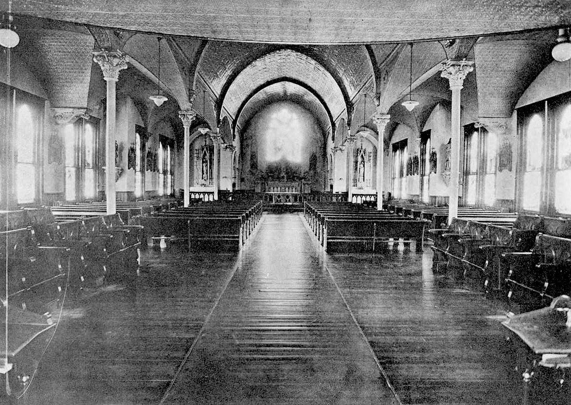 ursuline_1921-yrbk_chapel