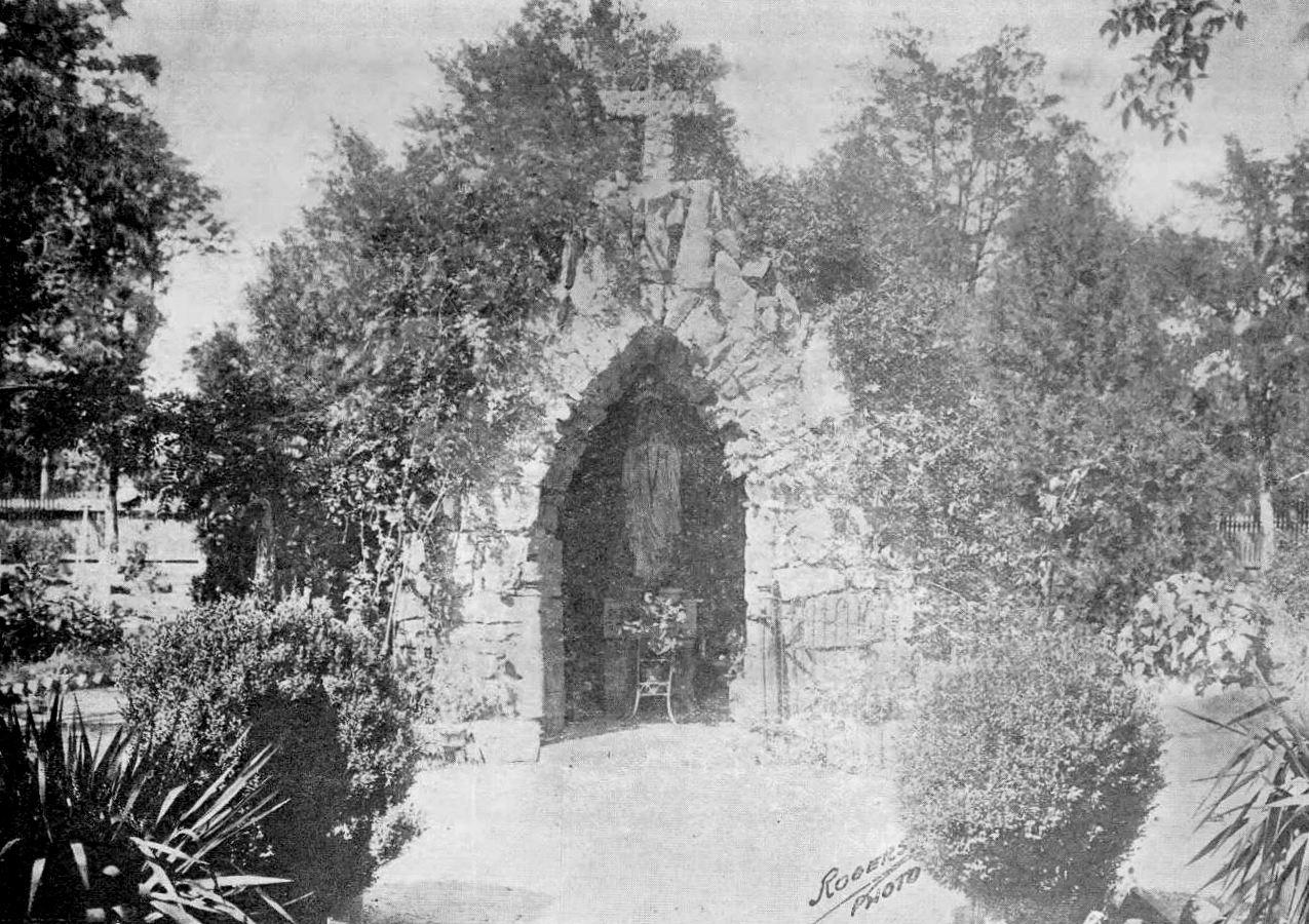 ursuline_1921-yrbk_grotto