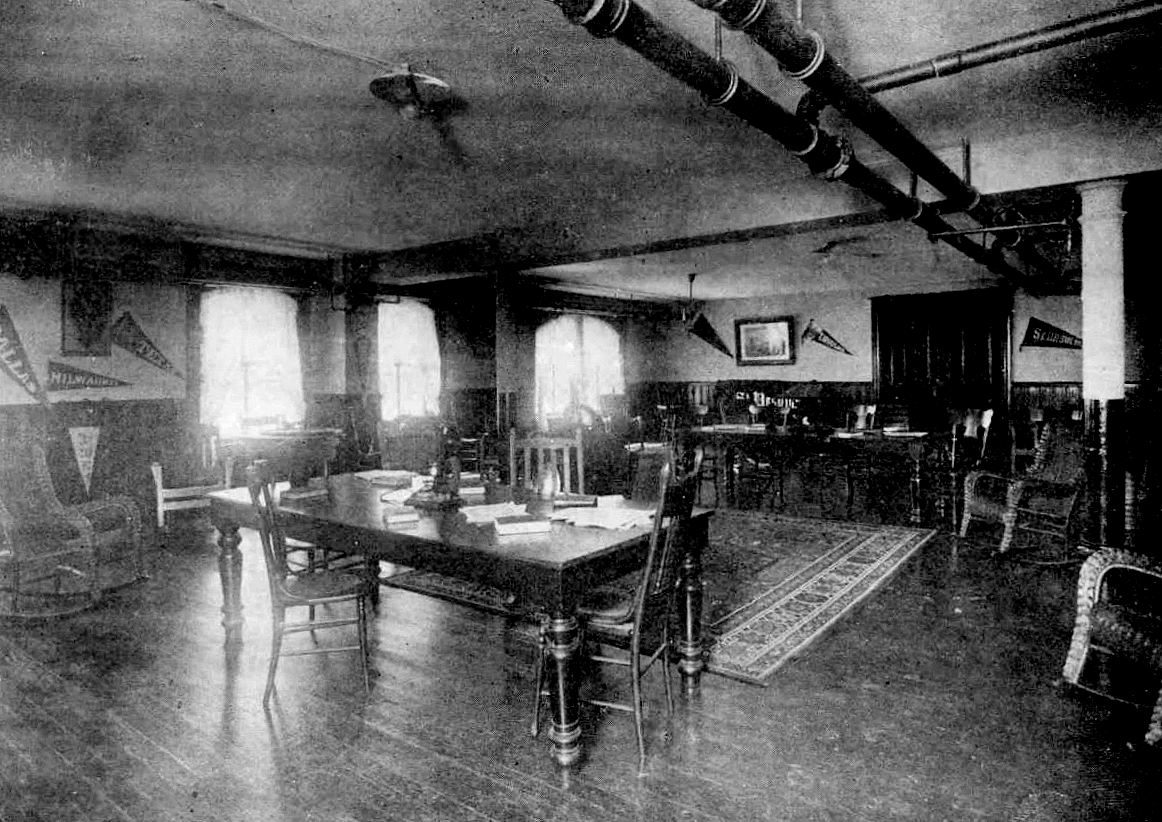 ursuline_1921-yrbk_recreation-room