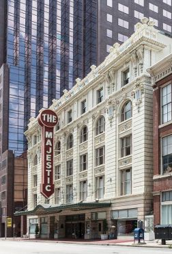 majestic-theatre_LOC_carol-highsmith_2014