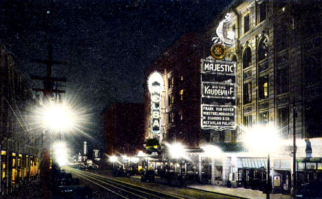majestic-theatre_night_cinema-treasures