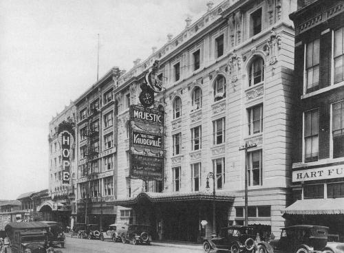 majestic-theatre_tsha_1920s