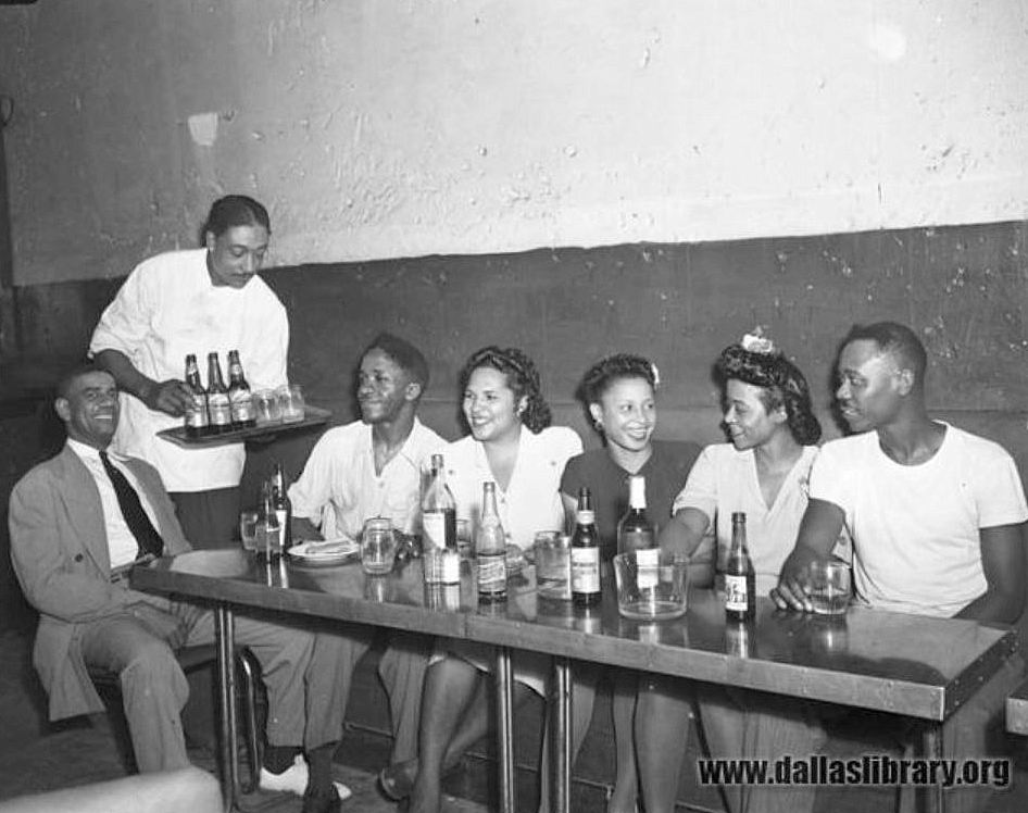 graves-cafe_marion-butts_dpl_1947